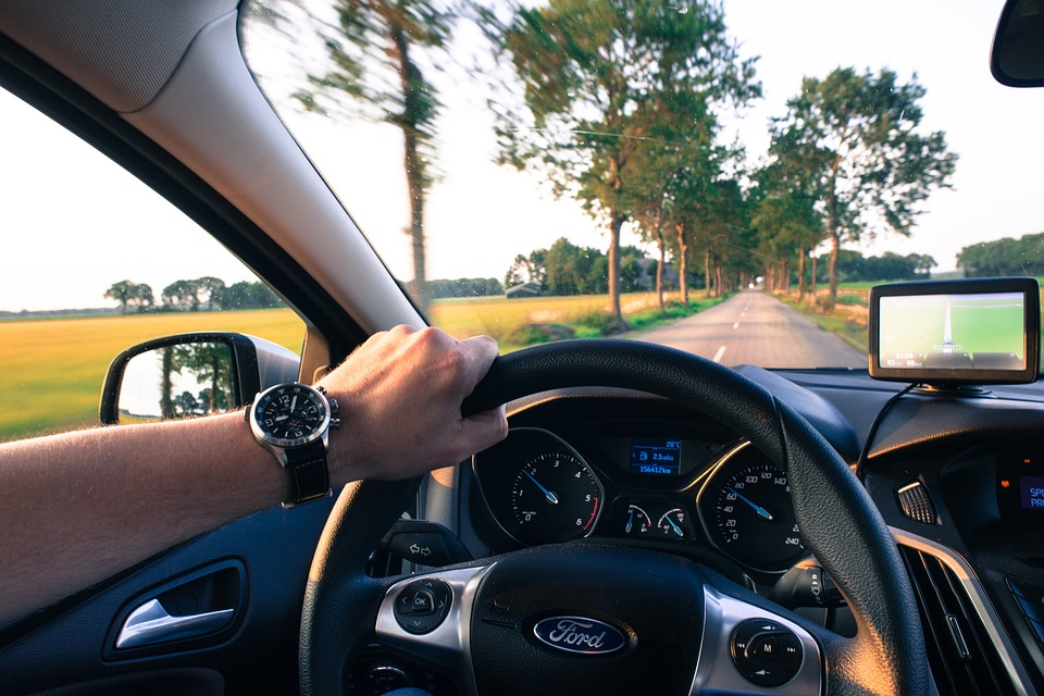 driving-2732934_960_720.jpg