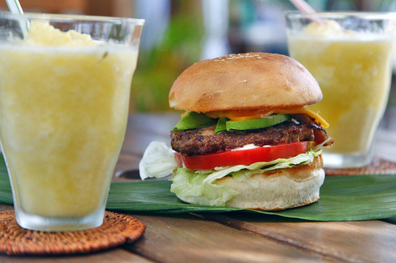 cheeseburger-820193_1920-1280x853.jpg